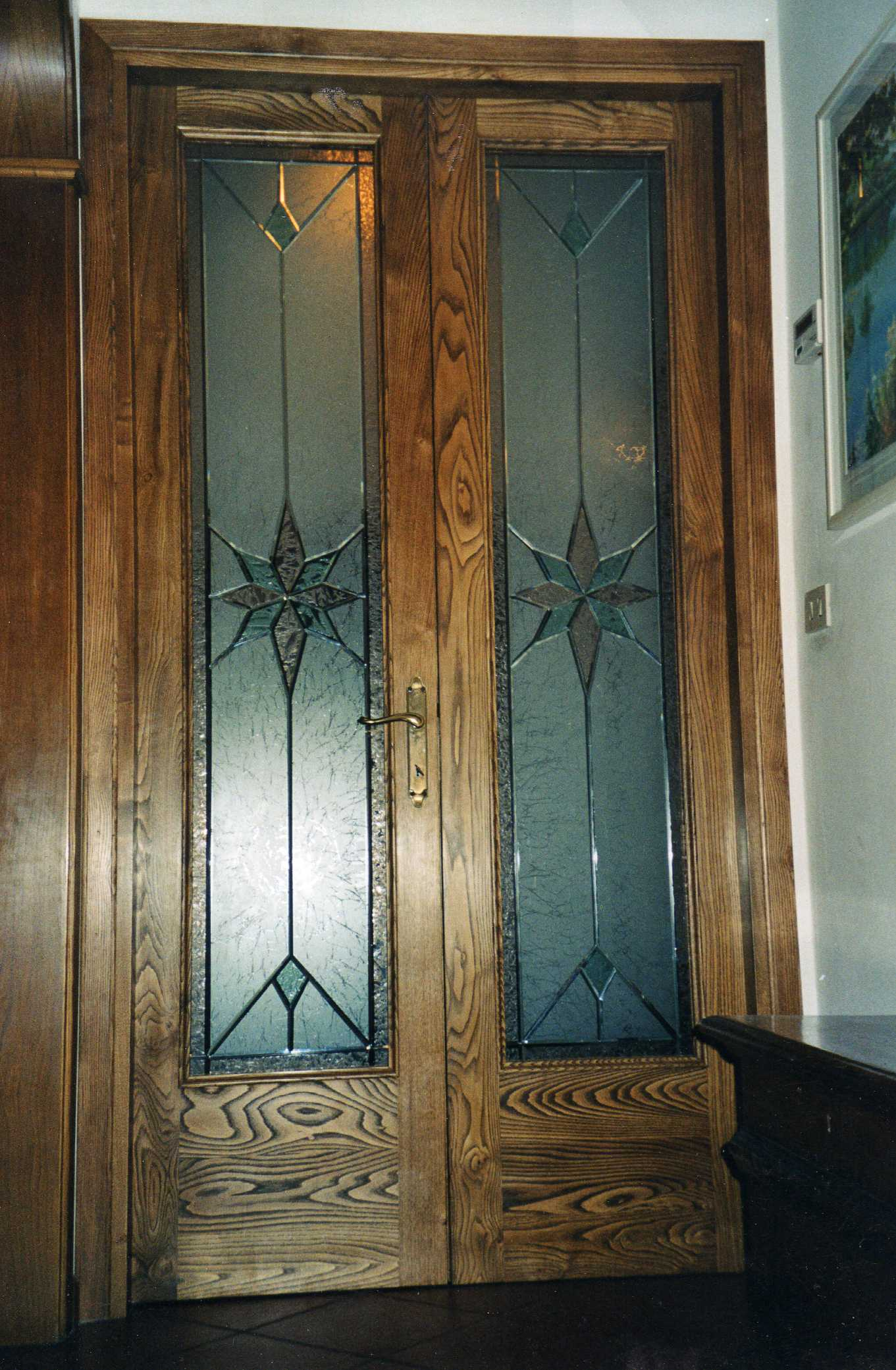 Porte in legno portoni fatti a mano a firenze falegnameria giusti firenze - Porta in legno massello ...